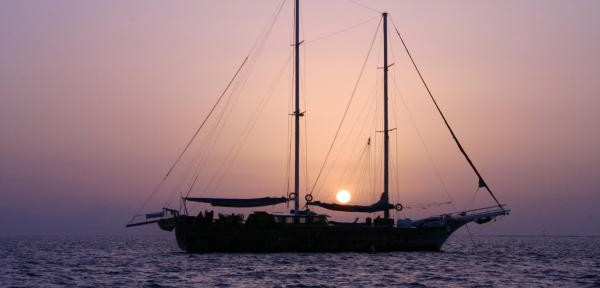 Sailing-on-Red-Sea.jpg